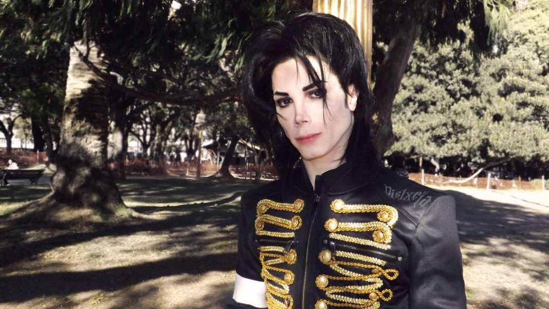 A Michael Jackson impersonator